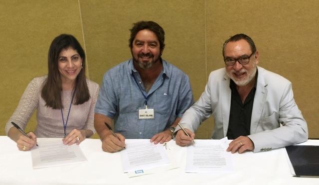 Firma Acuerdo Larimar Films Quiet Island Adrian Solar
